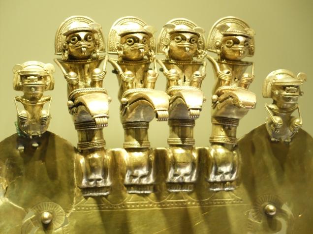 Masque en or des indiens Muisca (période précolombienne)
